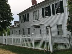 Garage Doors, History, Outdoor Decor, Home Decor, Historia, Decoration Home, Room Decor, Home Interior Design, Carriage Doors