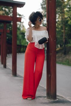 sara-che-river-island-red-trousers-white-off-shoulder-top-espadrilles-gucci-sunglasses
