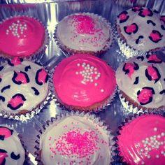 Pink n cheetah print cup cakes