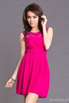 Zwiewna sukienka z paskiem... #Sukienki - http://bmsklep.pl/emamoda-sukienka-fuksja-6101-3