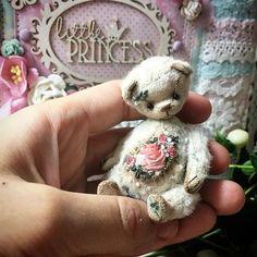 Green Skittles, Teddy Bear Toys, Teddy Bears, Artist Birthday, Girl Scout Swap, Charlie Bears, Bear Doll, Fabric Dolls, Handmade Toys