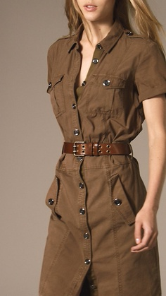 Shop the latest womenswear from Burberry including seasonal trench coats, leather jackets, dresses, denim and skirts. Simple Dresses, Casual Dresses, Fashion Dresses, Classy Outfits, Chic Outfits, Debut Gowns, Bodycon Outfits, Safari Dress, Mode Costume