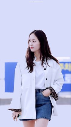 Krystal Fx, Jessica & Krystal, Snsd Fashion, Fashion Outfits, Kpop Girl Groups, Kpop Girls, Krystal Jung Fashion, Krystal Jung Style, Marie Claire