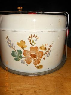 Vintage Cake Carrier - Mom had one of these :o)