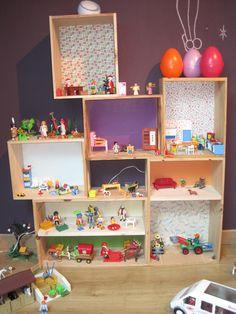 Maison playmobil en caisses de vin