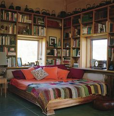 Pinning for the bookshelf idea 👌🙃 Library Bedroom, Home Bedroom, Bedrooms, Home Library Design, House Design, Home Libraries, Aesthetic Room Decor, Dream Rooms, New Room