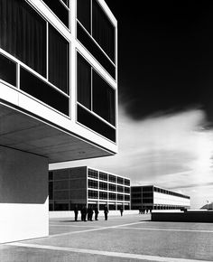 The beautiful United States Air Force Academy in Colorado Springs by Gordon Bunshaft and Walter Netsch/SOM (1954-162). Photo by Bill Hedrich.