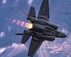 Lockheed Lightning ll - US Air Force Us Fighter Jets, Air Fighter, Fighter Aircraft, F35 Lightning, Norwegian Air, Us Military Aircraft, Italian Air Force, Royal Australian Air Force, Us Air Force