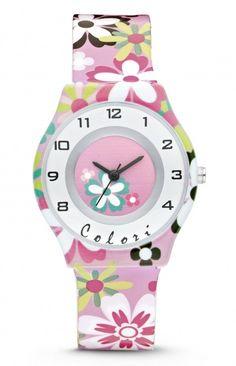 Colori Kinderhorloge Flower 5-CLK043. Trendy horloge voor trendy meiden. Het horloge is heeft een kunststof kast en horlogeband. De witte wijzerplaat is voorzien van duidelijke tijdaanduiding, bloemetjes en zilverkleurige- en roze accenten. De band is roze met gekleurde bloemetjes, het sluit door middel van een gespsluiting.