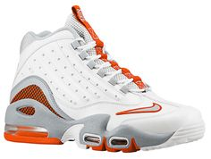 orange and white Air Max Sneakers, Shoes Sneakers, Lit Shoes, Sneaker Heels, S Pic, Training Shoes, Nike Sportswear, Shoe Game, Sneakers Fashion