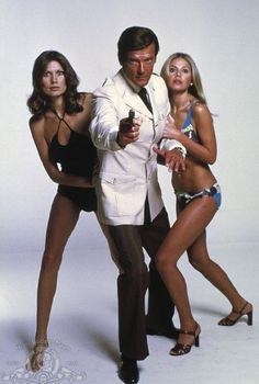 The Man with the Golden Gun (1974) James  Bond   , Ian Fleming, Roger Moore