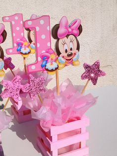 Baby Minnie Mouse Centerpiece - might do this for Liam.but with Mickey Mouse of course lol Minnie Mouse Theme Party, Minnie Mouse 1st Birthday, Mickey Party, Mouse Parties, Pirate Party, First Birthday Centerpieces, Birthday Decorations, Minnie Mouse Center Pieces, Baby Showers