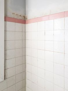 Want to change tile in your home without spending a lot of money? How To Paint Tile The Easy Way will save money and time and have your tile looking new! Painting Bathroom Tiles, Painting Tile Floors, Painting Shower, Paint Tiles, Bathroom Design Layout, Bathroom Interior Design, Bathroom Designs, Dressing Table Storage, Diy Bathroom Remodel