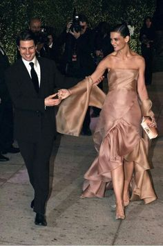 Katie Holme's Tom-Marriage Transformation - Likes Celebrity Couples, Celebrity Style, Strapless Dress Formal, Formal Dresses, Family Cruise, Katie Holmes, Bridesmaid Dresses, Wedding Dresses, Tom Cruise
