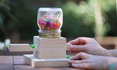 VIDEO Bois : réalisation d'un distributeur de bonbons en bois avec un tasseau.