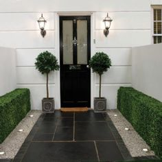 Awesome Small Front Garden Design Wasserfall Beste Ideen - Famous Last Words New Homes, Front Entrances, House Front, Limestone Paving, Small Front Gardens, Paving Slabs, Entrance, Home And Garden, Front Garden Design