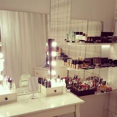 This gorgeous white vanity.   25 Vanities That Are Basically Porn For Makeup Addicts