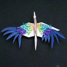 Origami Paper, Origami Cranes, Paper Crafts, Diy Crafts, Paper Folding, Diy Tutorial, Easy Diy, Flora, Sculpture