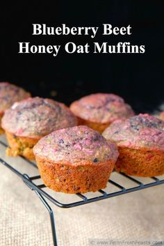 Blueberry Beet Honey Oat Muffins - Love this idea! Blend oatmeal, buttermilk, roasted beets, and blueberries in a blender. Such a pretty color! Oat Muffins Healthy, Veggie Muffins, Almond Muffins, Oatmeal Muffins, Healthy Snacks, Healthy Baking, Beet Recipes, Baby Food Recipes, Cooking Recipes