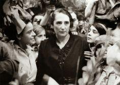 Spain - 1936-39. - GC - Dolores Ibarruri - El único camino.