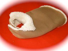 manteau pour chien grandeur medium tissu par creationsanneclaude Dog Coats, Warm Coat, Your Pet, Mantle, Dog, Fabric, Animaux, Coats For Dogs