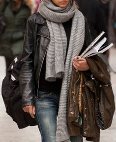 Add some nice black ankle booties and I would definitely rock this outfit, I like the texture in the scarf.