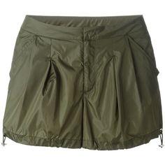 Moncler drawstring shorts ($250) ❤ liked on Polyvore featuring shorts, green, moncler, pocket shorts, green shorts, drawstring shorts and draw string shorts