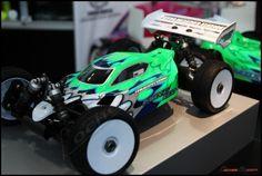 El Mugen MBX7 protagonista en el Stand de Mugen Seiki - CochesRc.com Rc Car Bodies, Kit Cars, Car Videos, Car Painting, Paint Schemes, Cry, Star Wars, Racing, Trucks
