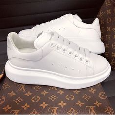 The Effective Pictures We Offer You About fila shoes outfit comfy A quality picture can tell you man Trendy Shoes, Cute Shoes, Me Too Shoes, Casual Shoes, White Sneakers, Shoes Sneakers, Shoes Heels, Alexander Mcqueen Zapatos, Alexander Shoes