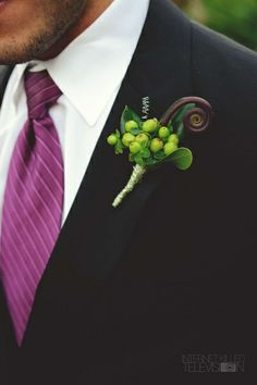 Love the boutonniere!!