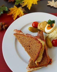 Schon probiert? Bergarbeiter-Toast mit Schwarzbrot der Bäckerei Gruber Geselchtem viel Käse und fein geschnittenen Zwiebeln.   Aktuell in unserer Saunabar! . #asiaspaleoben #genuss #energietanken #energielieferant #stärkungzwischendurch #saunabar #leoben #hochsteiermark #erzberg #erzbergstollen Spa, Eggs, Breakfast, Ethnic Recipes, Instagram, Food, Meal, Egg, Eten