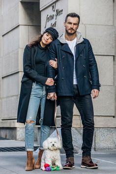 バレンタインデー直前! NYのカップルにこだわりのスタイルを調査。【NYスナップ】|ファッション(流行・モード)|VOGUE JAPAN Stylish Couple, Dog Walking, Winter Outfits, Your Style, Autumn Fashion, Fall Winter, Bomber Jacket, Winter Jackets, Pairs