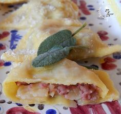 Ravioli con patate e salsicce ricetta pasta fresca