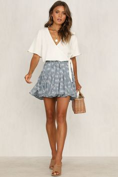 latest spring outfits ideas for women to try now 5 ~ my.me latest spring outfits ideas for w. Mode Outfits, Trendy Outfits, Fashion Outfits, Fashion Clothes, Rush Outfits, Ddlg Outfits, Scene Outfits, Fashion Shirts, Party Fashion