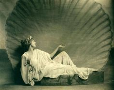 Ruth St Denis  in Greek costume as Venus in Cupid and Psyche at Mariarden.  greek (1923)