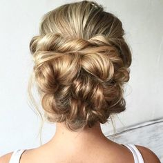 Top 100 cute updos photos Perfect wedding hair looks like this! Cr: @heatherchapmanhair #prettyupdo #bridalhair #promhairstyle #promhair #weddingday #weddinghair #formal hairstyle #formalhair #updos #braiding #therighthairstyles #cuteupdos #bigday #messyupdo
