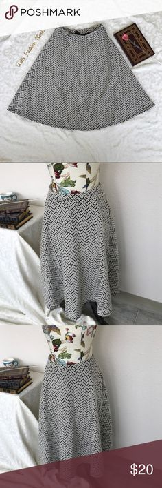 💠Just in💠 Bobeau-Chevron Thick Circle Skirt 🌸Brand: Bobeau🌸 Color(s): dark brown and cream chevron pattern Size: Medium Zipper: no, pull on Stretch: yes Fabric Content: 55% cotton 44% polyester 1% spandex  Condition: EUC!  Note: no flaws! Thick material! Makes for a great winter skirt with some tights and boots. Elastic waist.   Measurements: Length: ~28.5 inches Waist: ~14.5 inches across unstretched  📦Bundle your likes, and I will send you a no obligation offer. Or, submit a…