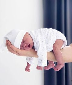 a va pas trop fatigue en ce moment carolinedemir mood adorable cute lovely baby asleep sleepy thursday nomotivation naptime relax dreaming chill peace Newborn Baby Photos, Newborn Shoot, Newborn Pictures, Baby Boy Newborn, Baby Kids, So Cute Baby, Baby Love, Cute Babies, Baby Shooting