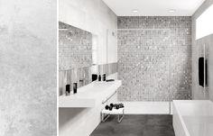 Apolo Plaster White 30*60 ja Apolo Mosaic Aquarella 4,7*4,7 - Kaakelikeskus #kylpyhuone #kaakeli #laatat