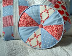 Riona - patchwork round pillow