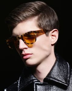Classic haircut for men Young Mens Hairstyles, Trendy Mens Haircuts, Popular Mens Hairstyles, Haircuts For Wavy Hair, Girl Haircuts, Hairstyles Haircuts, Trendy Hairstyles, Classic Haircut, Classic Hairstyles