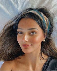 Beauty Makeup, Hair Makeup, Hair Beauty, Makeup Inspo, Makeup Inspiration, Acne Makeup, Beauty Skin, School Looks, Aesthetic Hair
