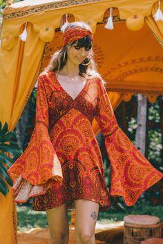 6ae7fd25e2b6c 50 Best 1970s hippie fashion images in 2019   Woman fashion ...