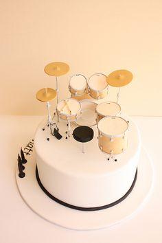 Drum kit birthday cake (back) by Cake Ink. (Janelle), via Flickr