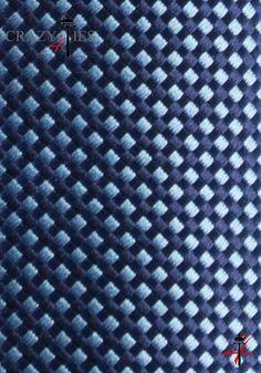 Particolare Tessuto Cravatta in Seta Blu a Quadretti Blu e Azzurri Tinta in Filo
