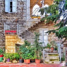 A traditional Lebanese house Architecture, Exterior, Places, Lebanese, Lebanon, Traditional Architecture, Traditional House, Countryside, Old Houses