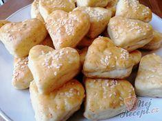 Sýrové pagáče - srdíčka | NejRecept.cz 20 Min, Pretzel Bites, Cooking, Recipes, Tortillas, Food, Breads, Mince Pies, Bread Rolls