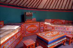 I love Mongolian furniture! The color, the pattern… AMAZING!