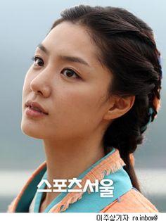 Korean Beauty, Asian Beauty, Seo Ji Hye, Pretty Korean Girls, Korean Fashion, Women's Fashion, Asian Ladies, Korean Actresses, Asian Woman