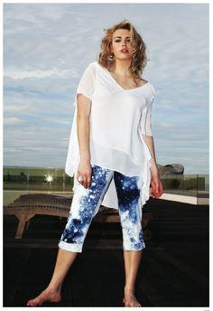 #springsummer #printempsété #fashion http://jeanmarcphilippe-eshop.com/fr/collection-printemps-ete-2013/pantalons/pantacourt-pikili-36f-ecru-bleu.html